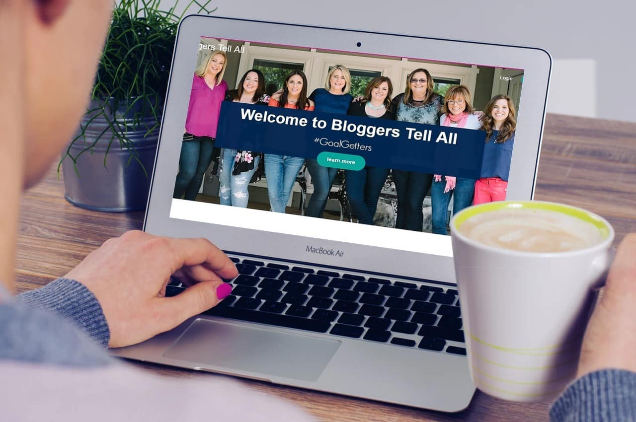 Best Blogging Course \ my review of Bloggers Tell All
